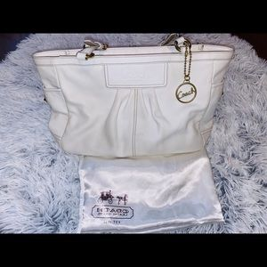 Coach F13759 LEATHER Handbag Ivory Bone Pleat